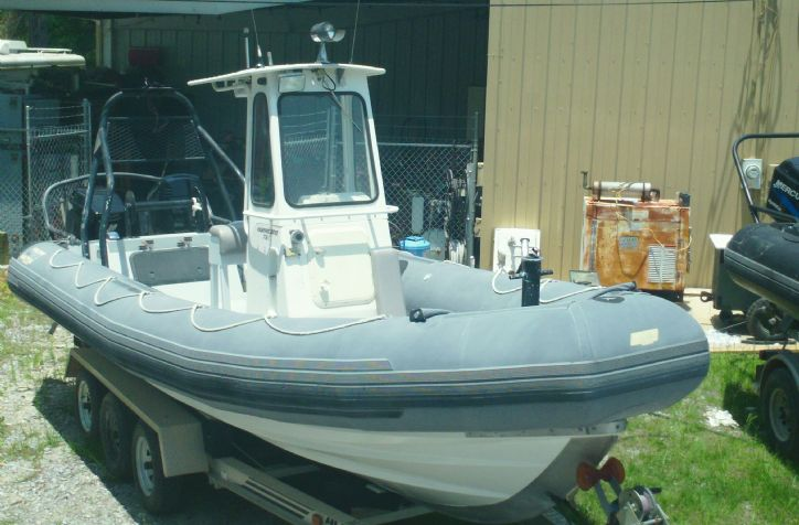 <strong>1996 Zodiac Hurrincane Twin 150 Optimax</strong>1996  Zodiac Hurrican3 733 twin 2001 150 Mercury Oprimax outboards
