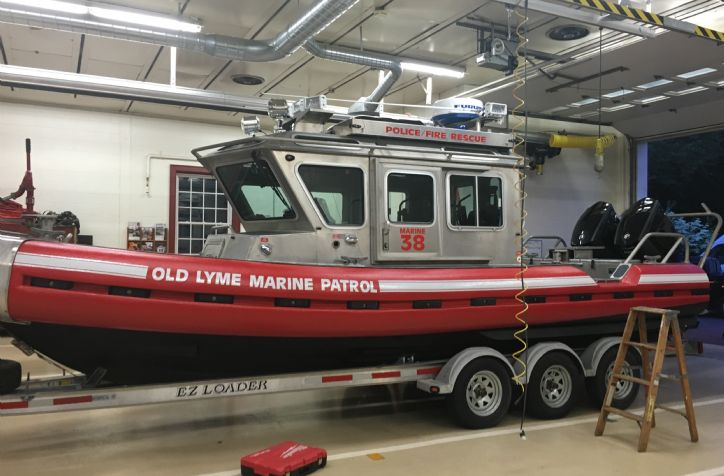 <strong>Old Lyme Fire And Rescue SafeBoat</strong>Old Lyme Fire And Rescue with twin 250 Evinrude G2&#39;s