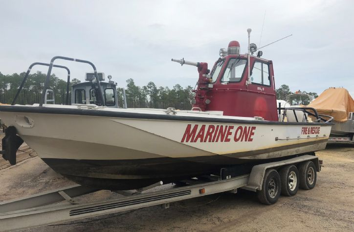 <strong>25 Boston whaler Rescue </strong>1987 Boston Whaler Fire/ rescue